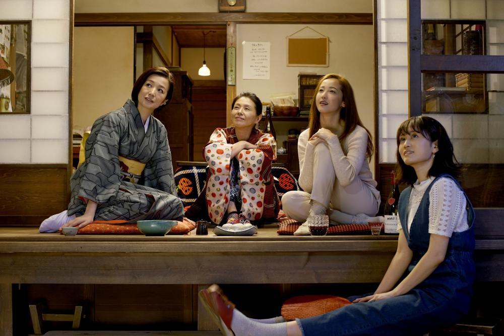姐姐和弟弟性爱电影_日本8大尤物女星 食「欲」大开聊性爱 《姐姐的私厨》秀「撩欲」美食